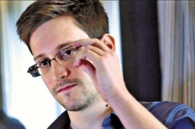 Эдвард Сноуден хочет остаться в России