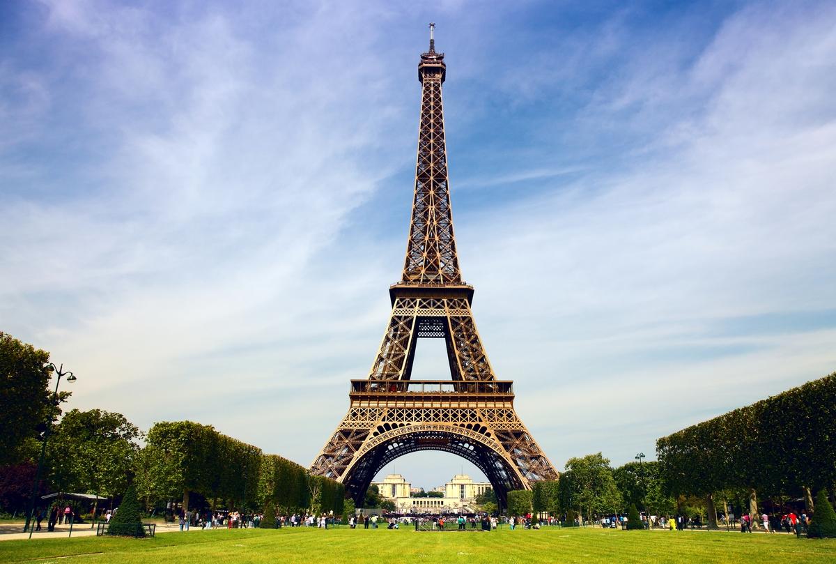 Эйфелеву башню демонтируют