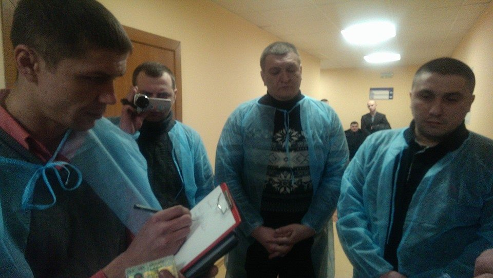 Милиционеры пришли к Булатову в больницу