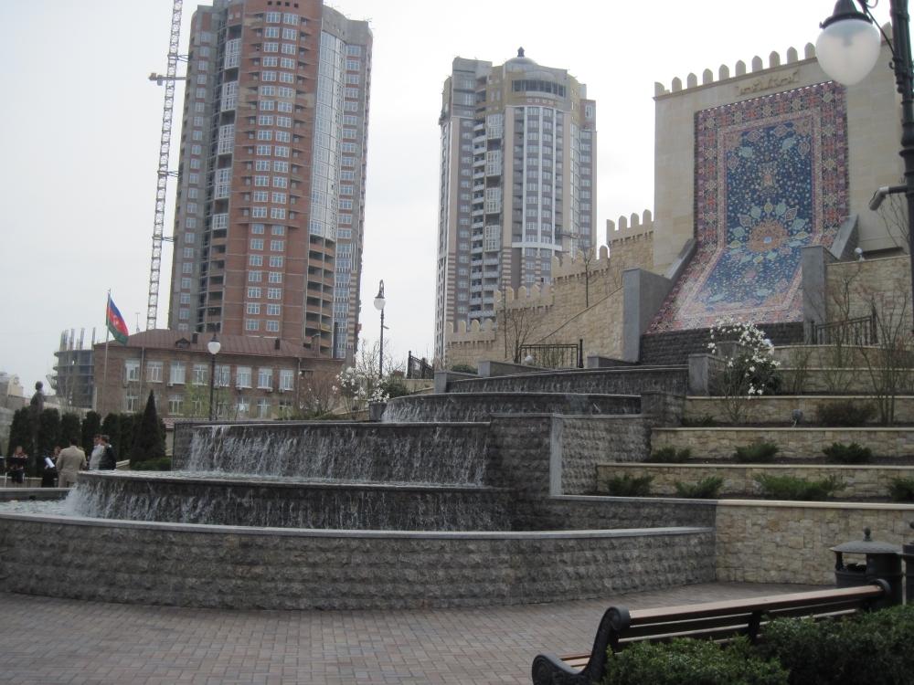 В Киеве открыли сквер имени Гейдара Алиева