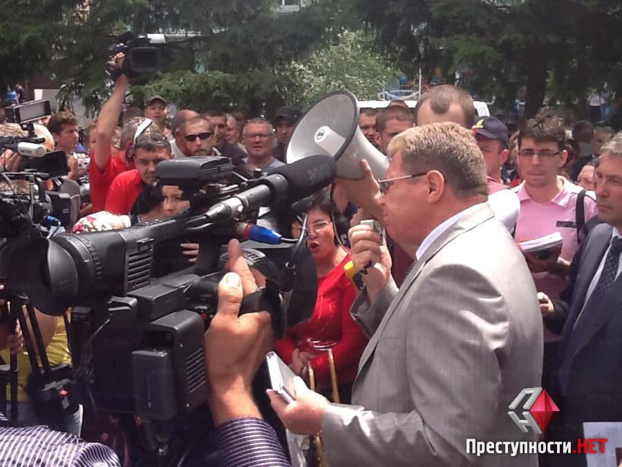 Замминистра и губернатор Николаевской области на митинге