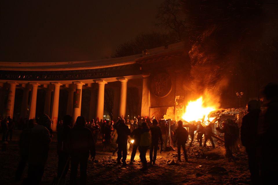 Столкновения на Грушевского.