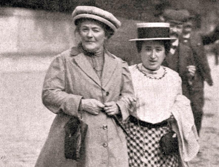 Клара Цеткин (справа) с Розой Люксембург