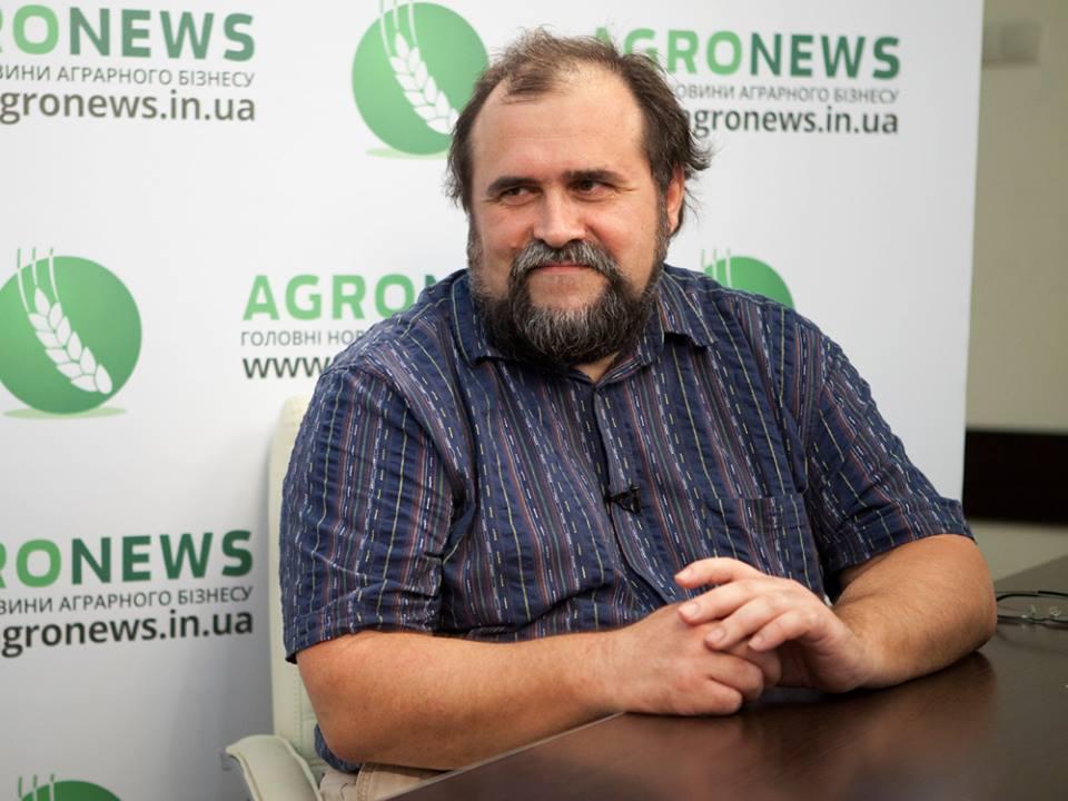 Александр Охрименко вспоминает, что Украину в первое время Независимости называли второй Францией