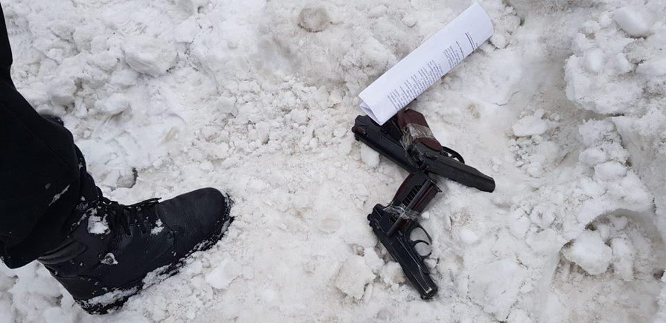 Преступника задержали при покупке новых пистолетов