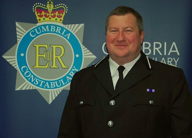 Начальник полиции Стюарт Хайд. Фотография была сделана сразу после назначения его начальником полиции графства Камбрия