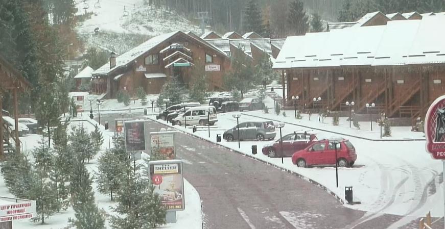 Снег на Буковеле не прекращается