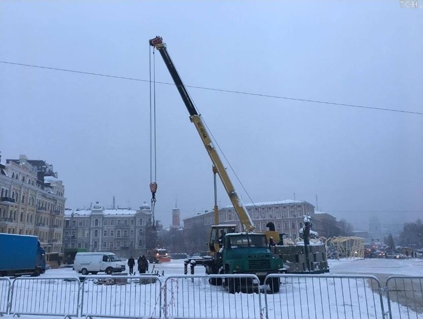 Встолицу Украинского государства сПрикарпатья отправилась главная елка страны