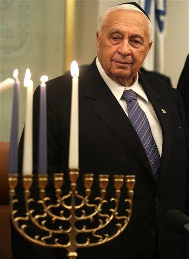 Умер Ариэль Шарон. Политик скончался на 86-м году жизни после 8 лет пребывания в коме.