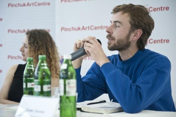 Владимир Кузнецов считает, что его картина могла не понравиться кому-то из власть имущих
