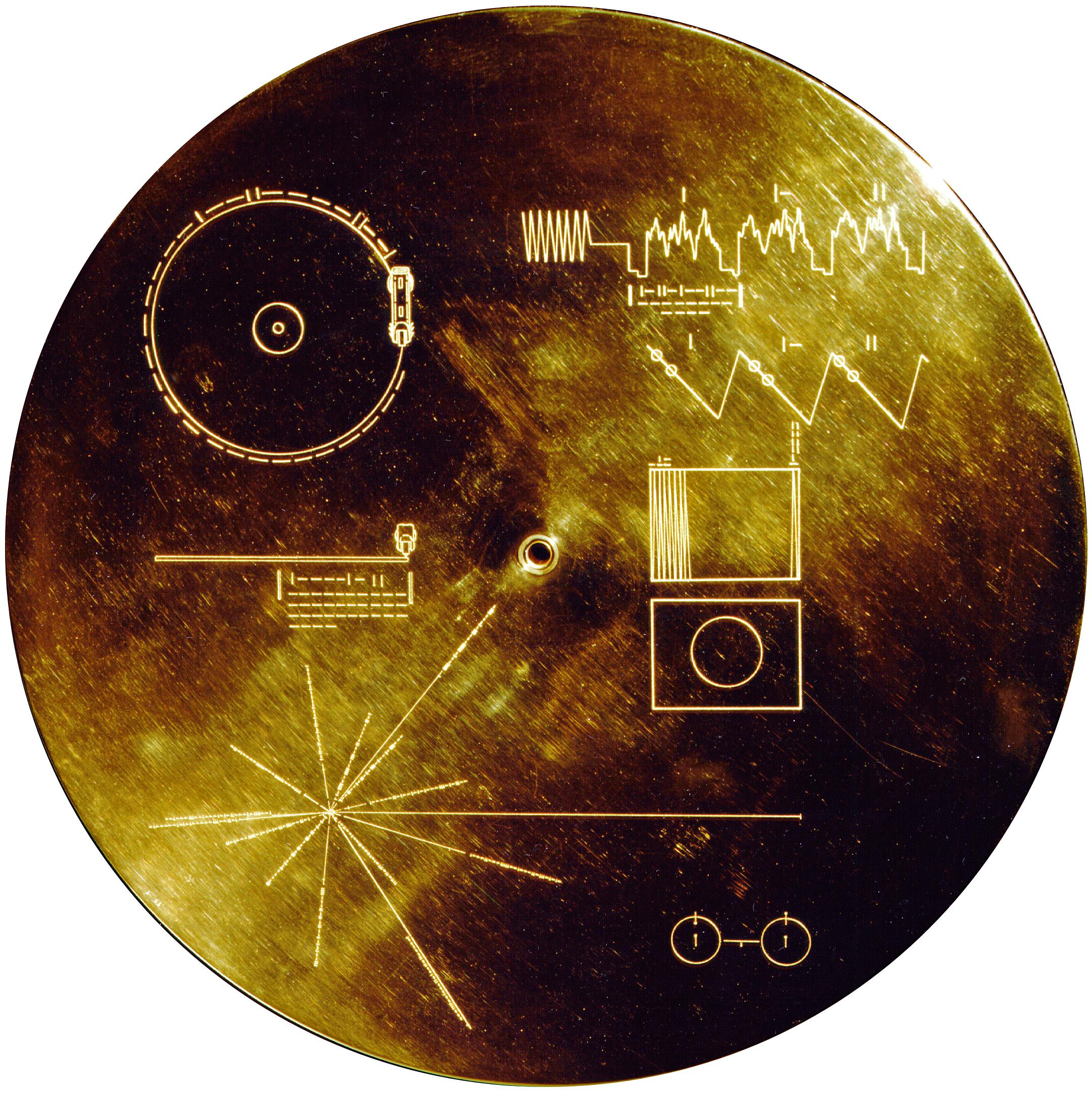 Образец золотой пластинки, прикрепленной к аппарату