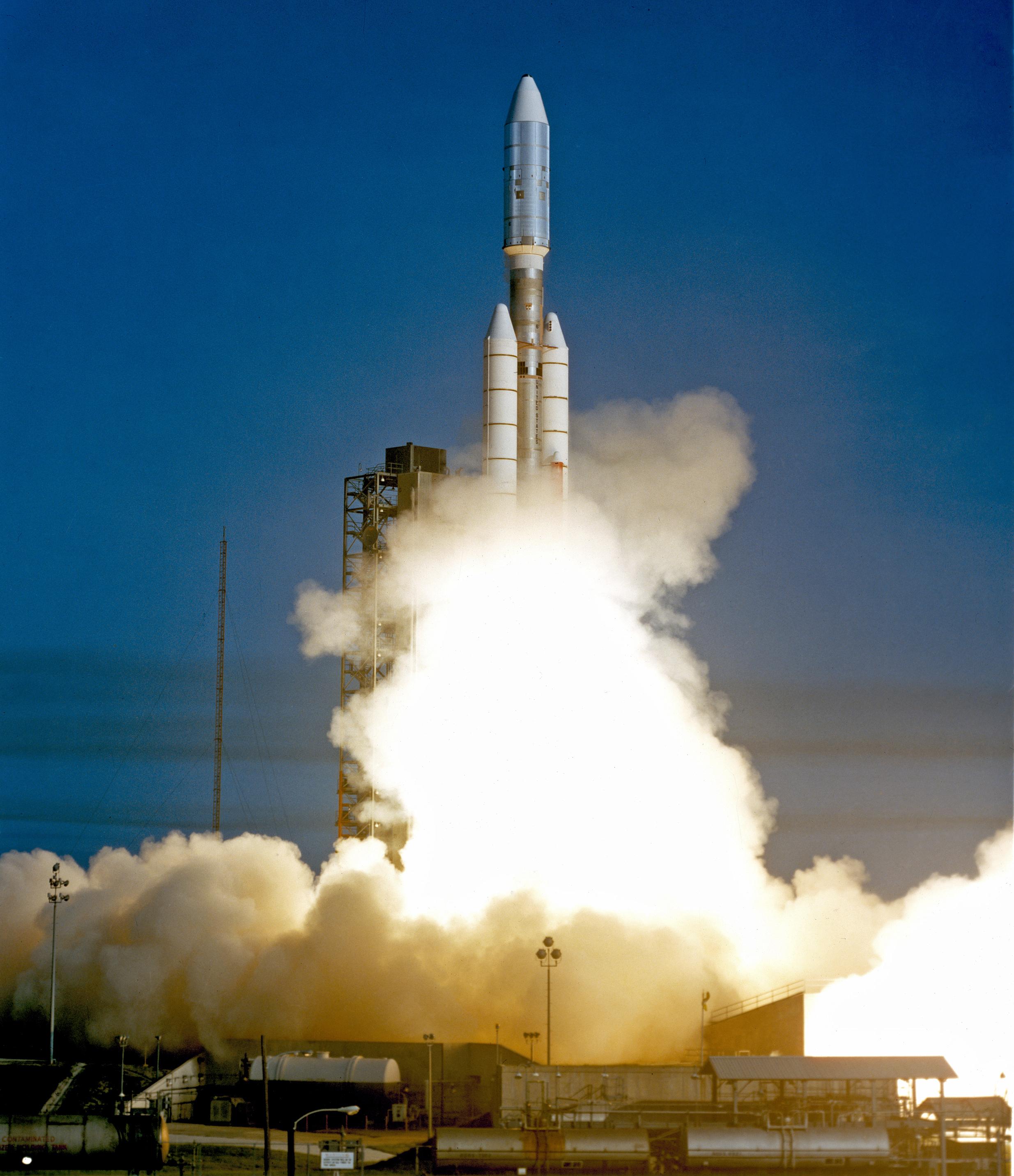 Запуск Вояджера-1 на ракете-носителе Titan IIIE
