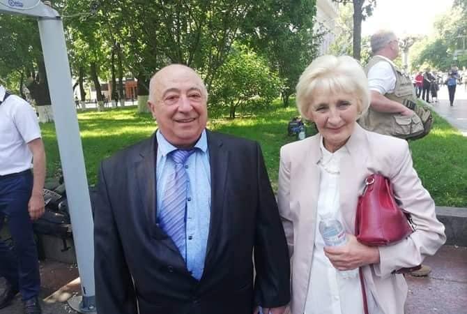 Отец и мать президента