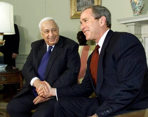 Умер Ариэль Шарон. Политик с президентом США Джорджем Бушем.
