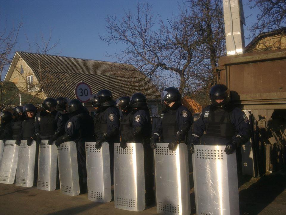 Акция под Межигорьем 29 декабря Солидарность против террора.
