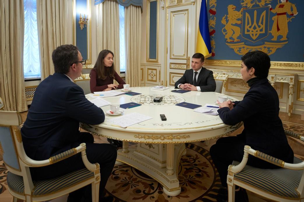 Зеленский встретился с командой постпреда президента в АРК
