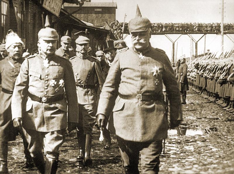 Встреча на киевском вокзале главнокомандующего группы войск