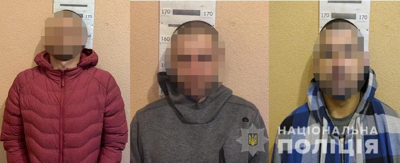 В Киеве друзья вывезли одессита в лес и требовали деньги