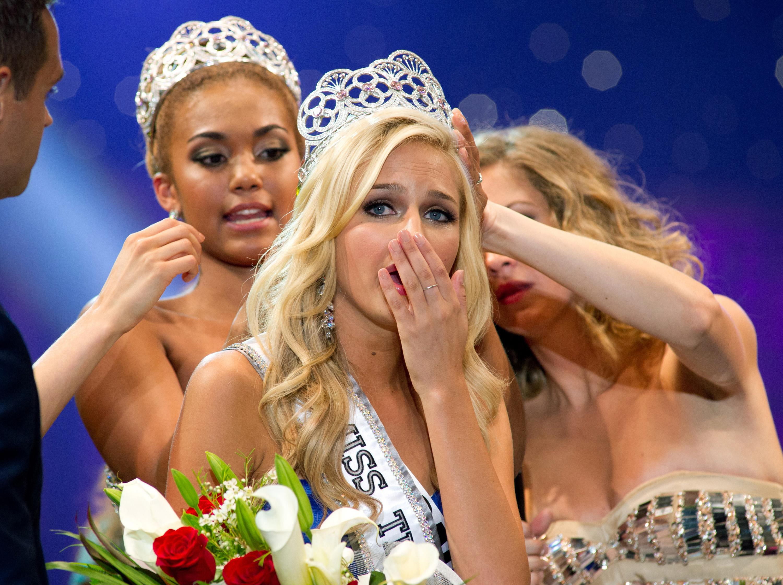 Фото с конкурса мисс грудь 20 фотография