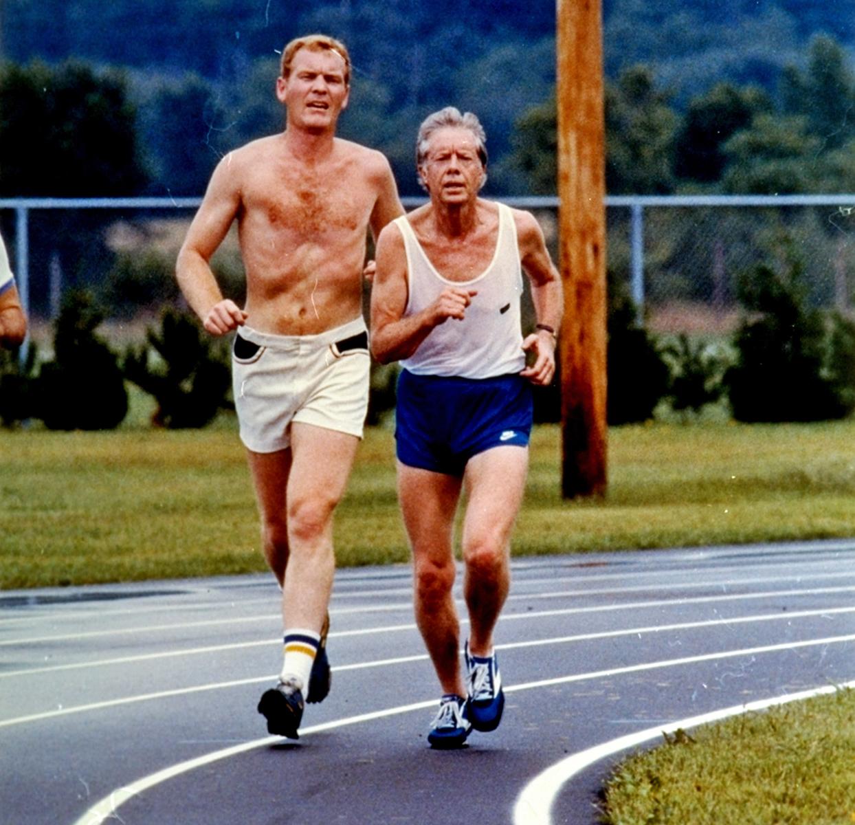 39-й президент США Джимми Картер на пробежке