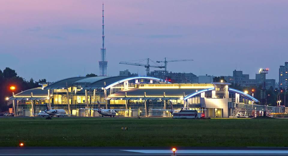 Аэропорт в Жулянах не работал несколько часов