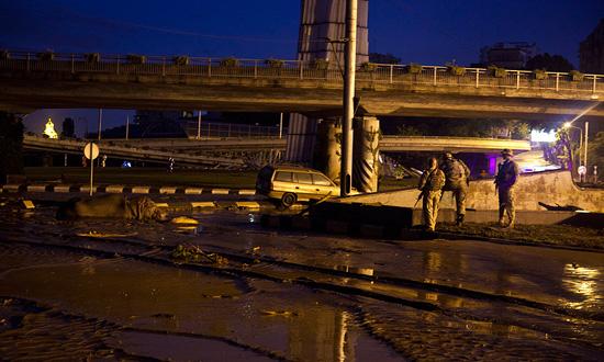 В Тбилиси парализовано транспортное движение