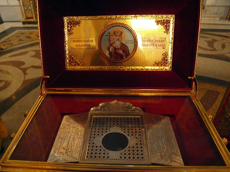 Ковчег мощей князя Владимира привезут из Владимира в Киев