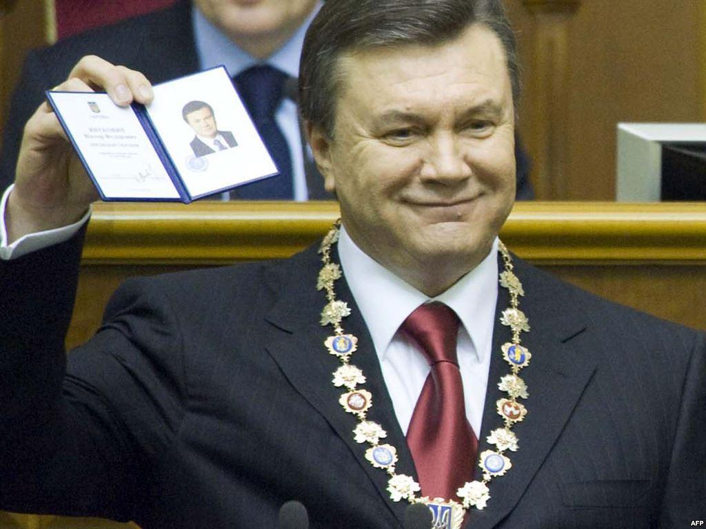 Виктор Федорович сменил Президента, которого привел к власти первый Майдан, а бросил он узды правления под натиском второго Майдана. По количеству сгенерированной ненависти и масштабу воровства превзошел всех предшественников вместе взятых.