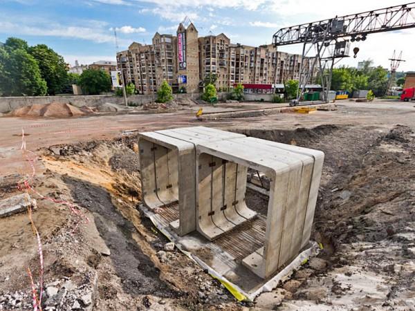 Строительство метро на Троещину неоднократно откладывалось