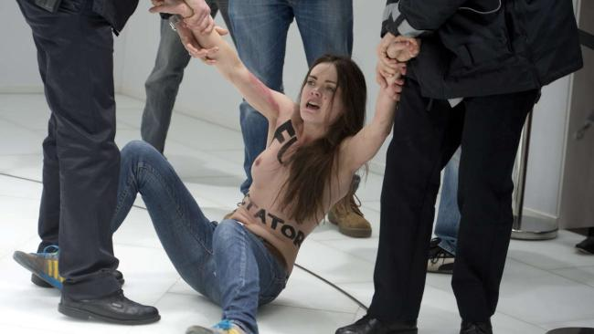 голые девушки против путина