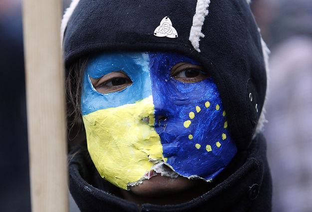 Разгон студенческого митинга в Киеве положил начало концу Януковича. Неумелые попытки власти силовыми методами задушить недовольство народа только усугубляли кризис. По данным ГПУ, Президент через свою Администрацию отдал приказ открыть огонь по демонстрантам, а потому причастен к смерти больше 100 человек.