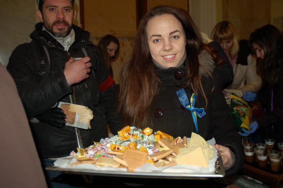 Харьковчане пускают в ОГА всех желающих