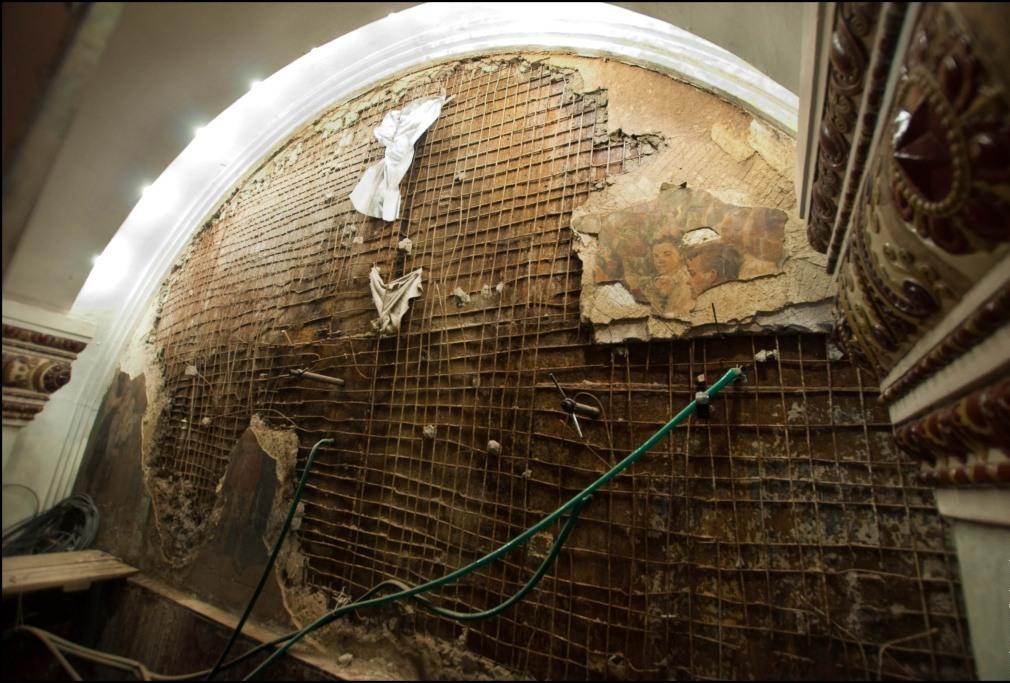 Фреска пострадала из-за подземных вод