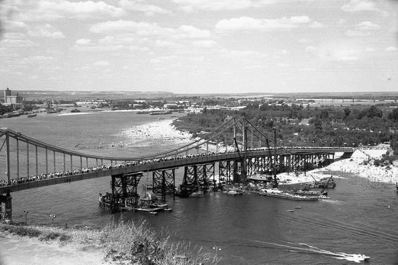 1957. Заключительный этап строительства Паркового моста