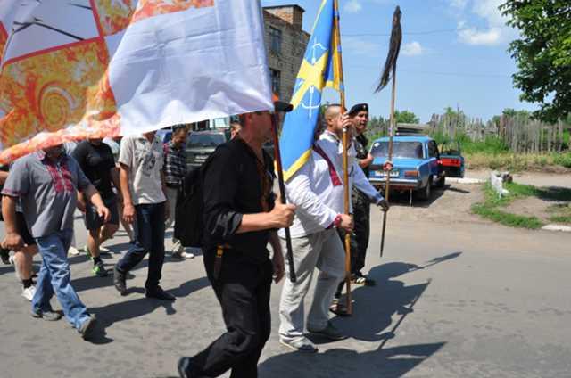 Жители Врадиевки идут пешком в Киев потребовать отставки министра МВД