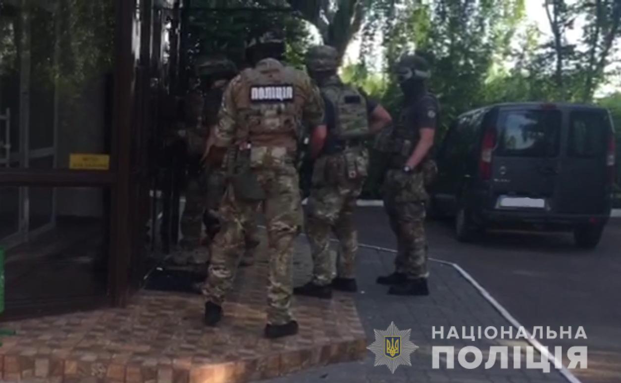 Преступники удерживали 50 человек