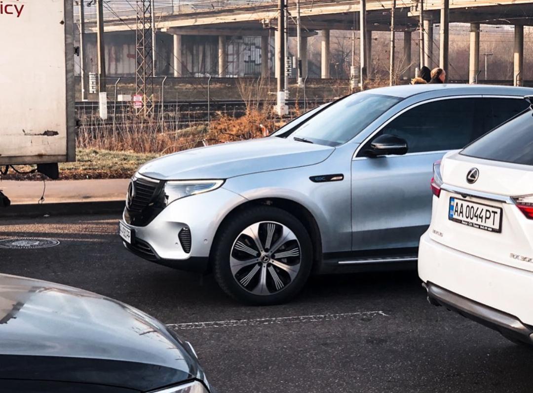 Построено авто на базе Mercedes-Benz GLC