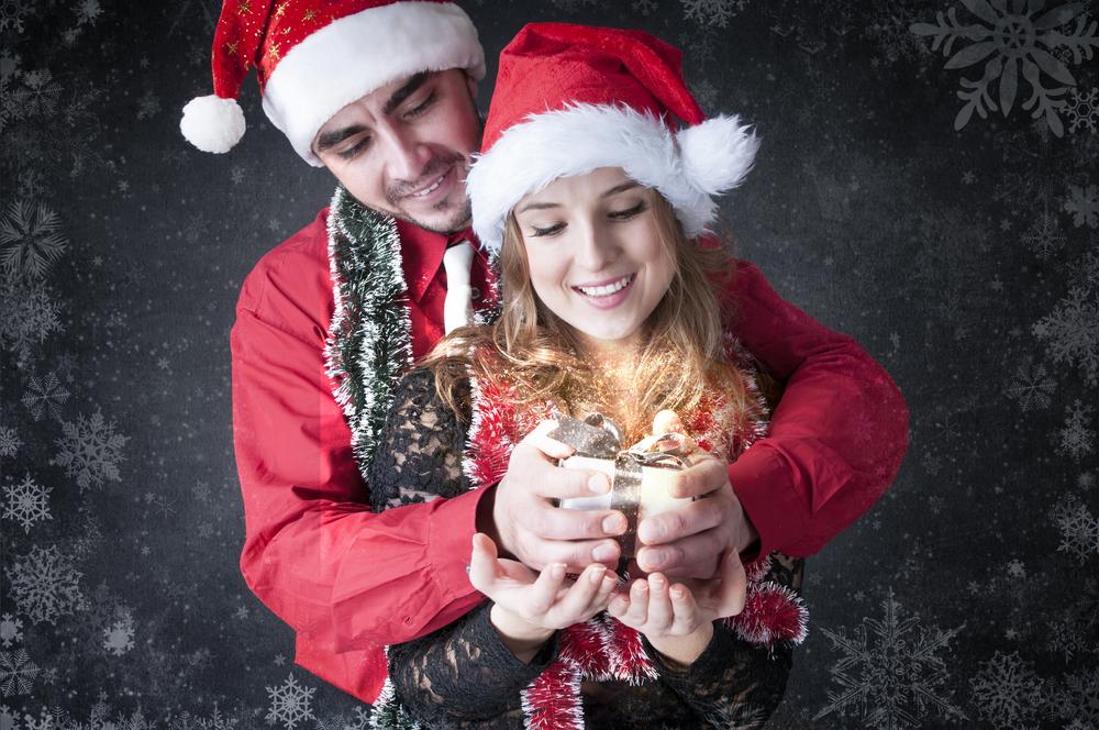 Что подарить девушке на Новый год? Любой подарок будет приятным - если правильно его подать