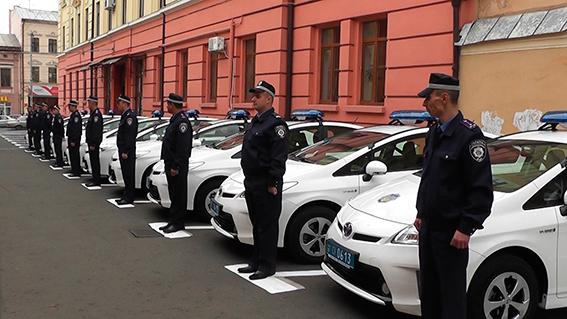 Харьковские милиционеры получили гибриды Toyota Prius