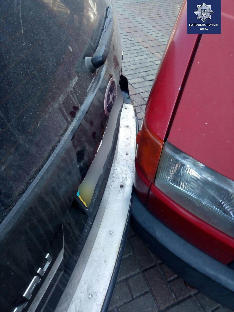 В Киеве пьяный водитель разгромил три автомобиля