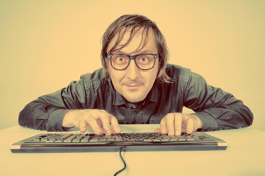 Сидячая работа, искривленная спина и плохое зрение - первые признаки настоящего программиста