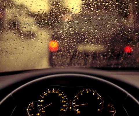 ТОП-15 советов для вождения авто в дождь
