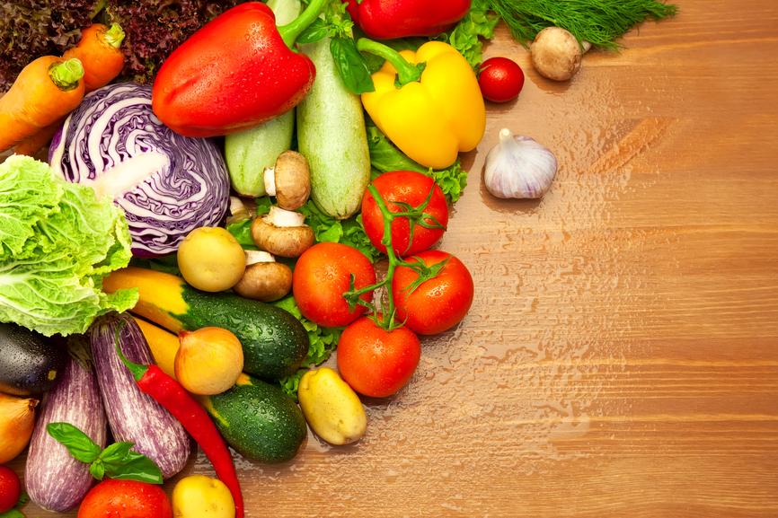 Свежие овощи и фрукты - не менее надежный способ оставаться здоровым и в форме