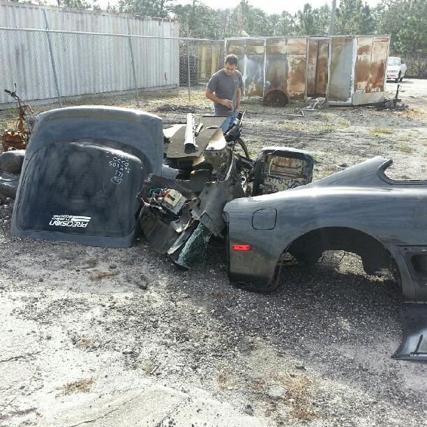 Все, что осталось от Toyota Supra после работы воров
