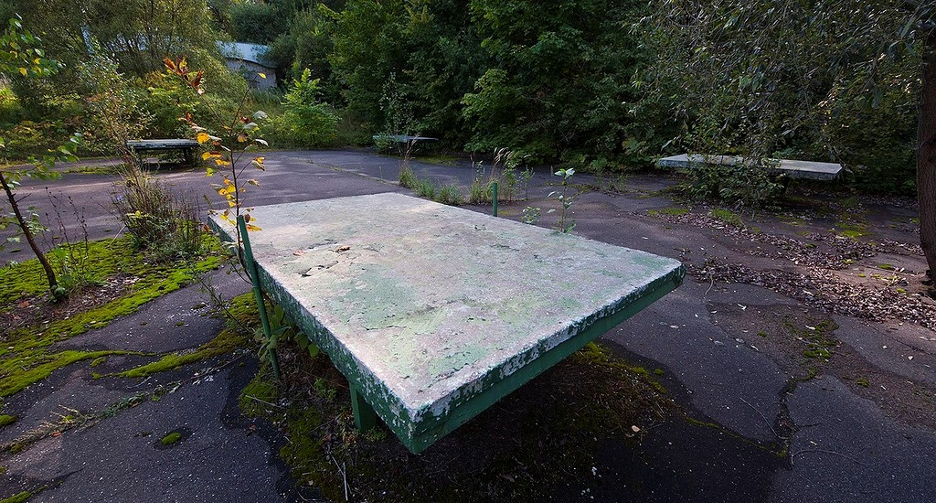 Иногда пинг-понг ассоциируется с бетоном