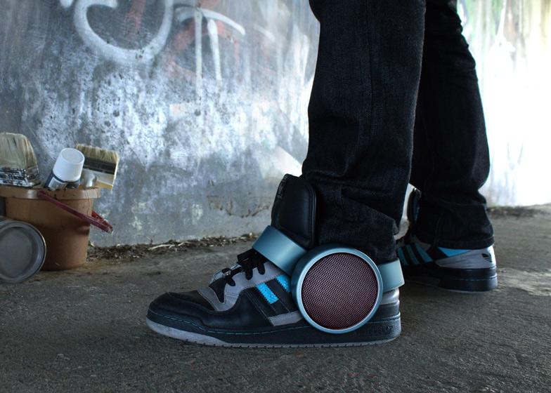 Первые в мире музыкальные кроссовки от Ray Kingston