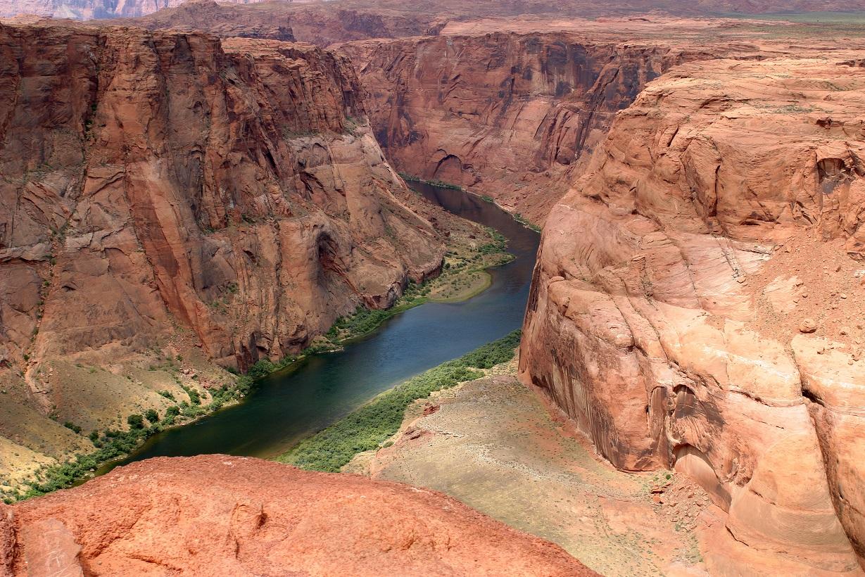 Спуск по реке Колорадо - твой билет в страну спокойствия и гармонии с природой