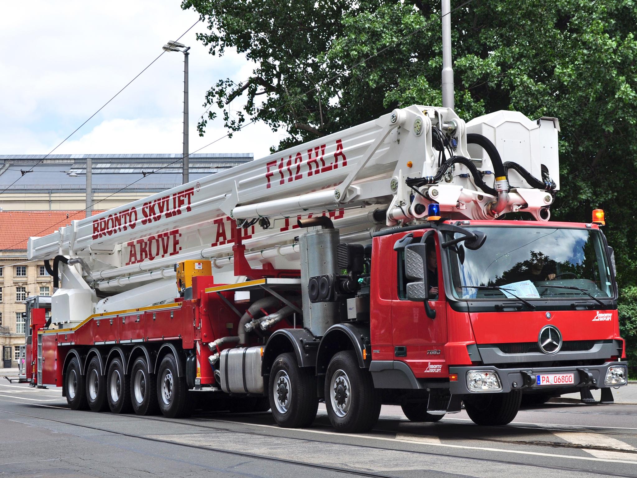 Самые большие пожарные машины