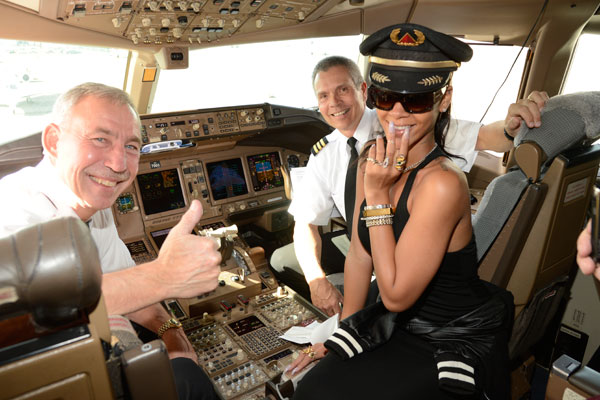 Некоторые звезды с детства мечтают стать пилотами