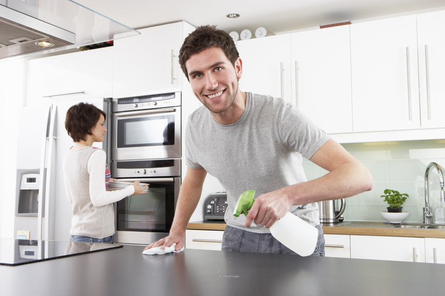 Не стесняйся готовить и убирать на кухне